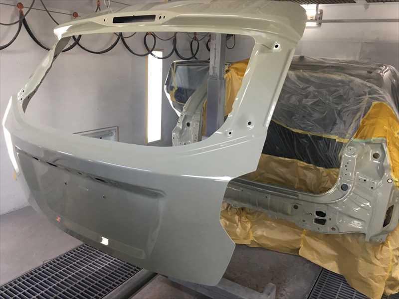 スバルXV バックドアの塗装