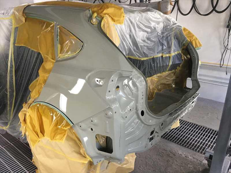 スバルXV バックパネル、フロアパンの塗装