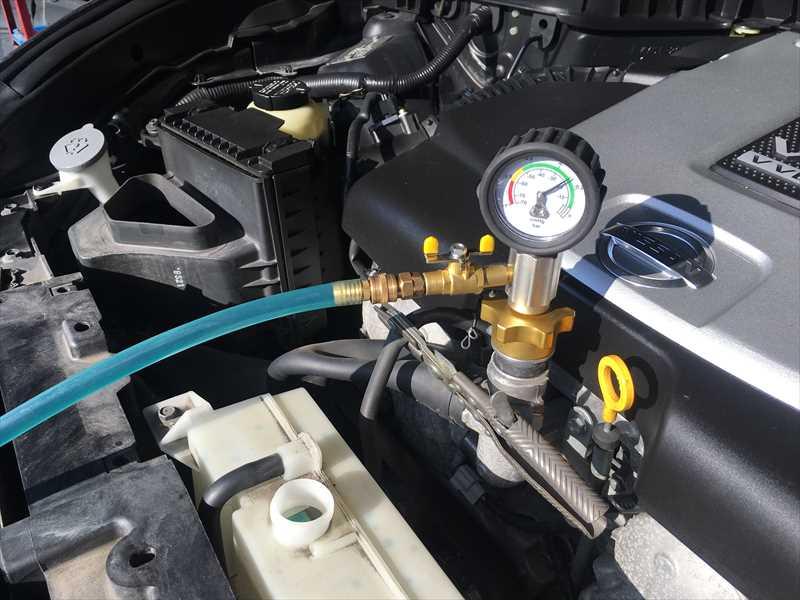 フーガ 冷却水補充