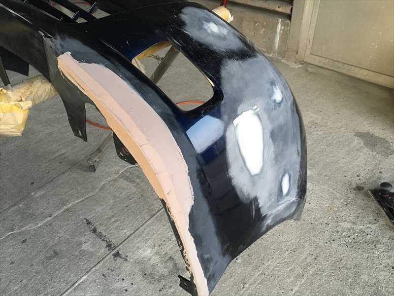 バンパーの傷の修理