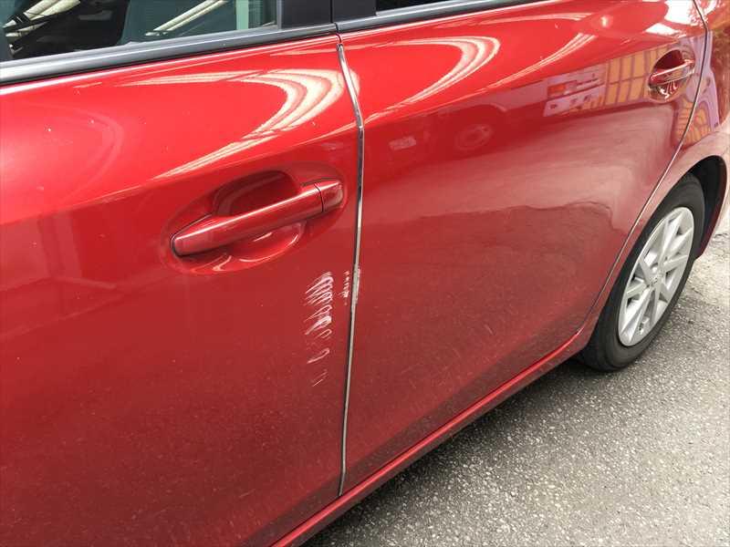 左ドアの傷
