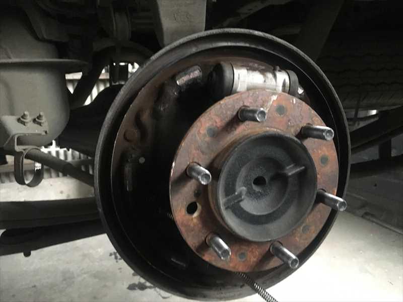 ドラムブレーキ分解